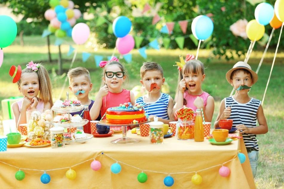 Сценарий для детского праздника «Путешествие в Страну Радуги»