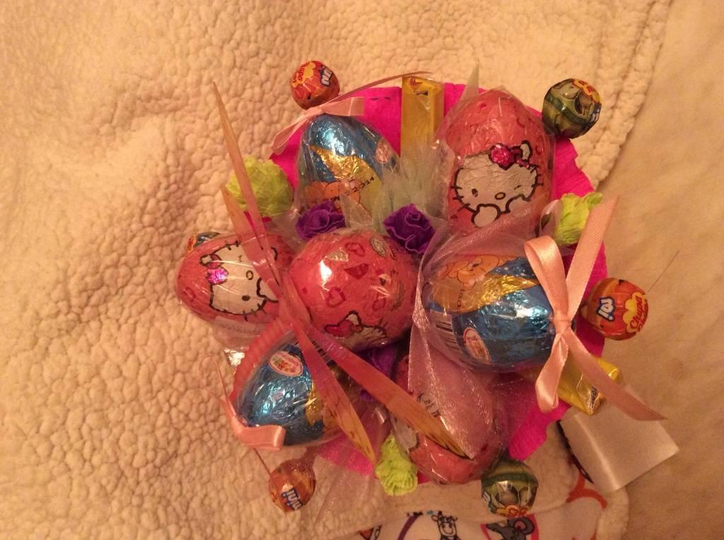 Букет из киндеров — новый взгляд на привычные сладости