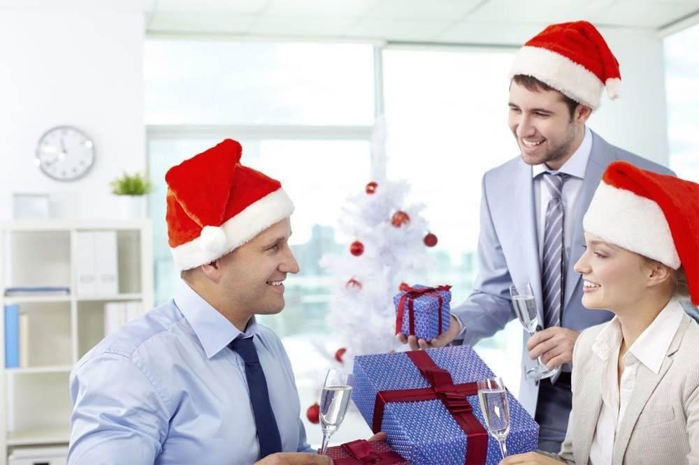 Как выбрать корпоративный подарок?