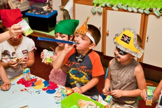 """Сценарий дня рождения ребенка 4 – 7 лет """"Пиратский праздник дома"""""""