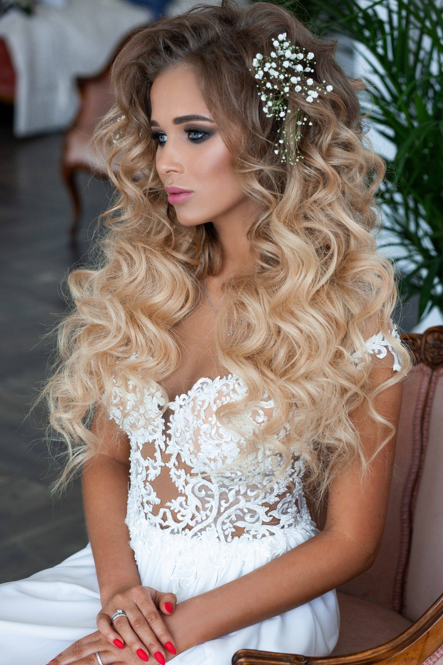 Все о свадебных прическах на длинные волосы — какую выбрать?
