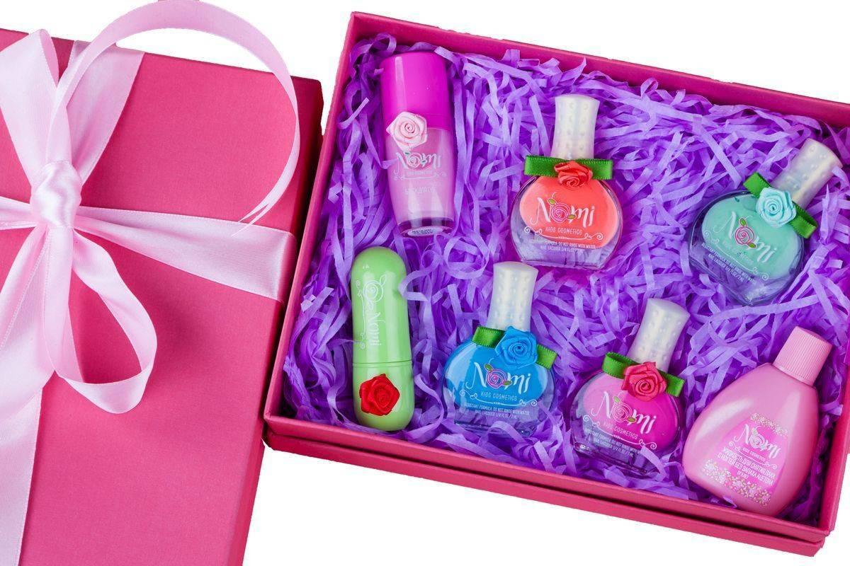 Подарки на 12 лет девочке: как угодить подростку?