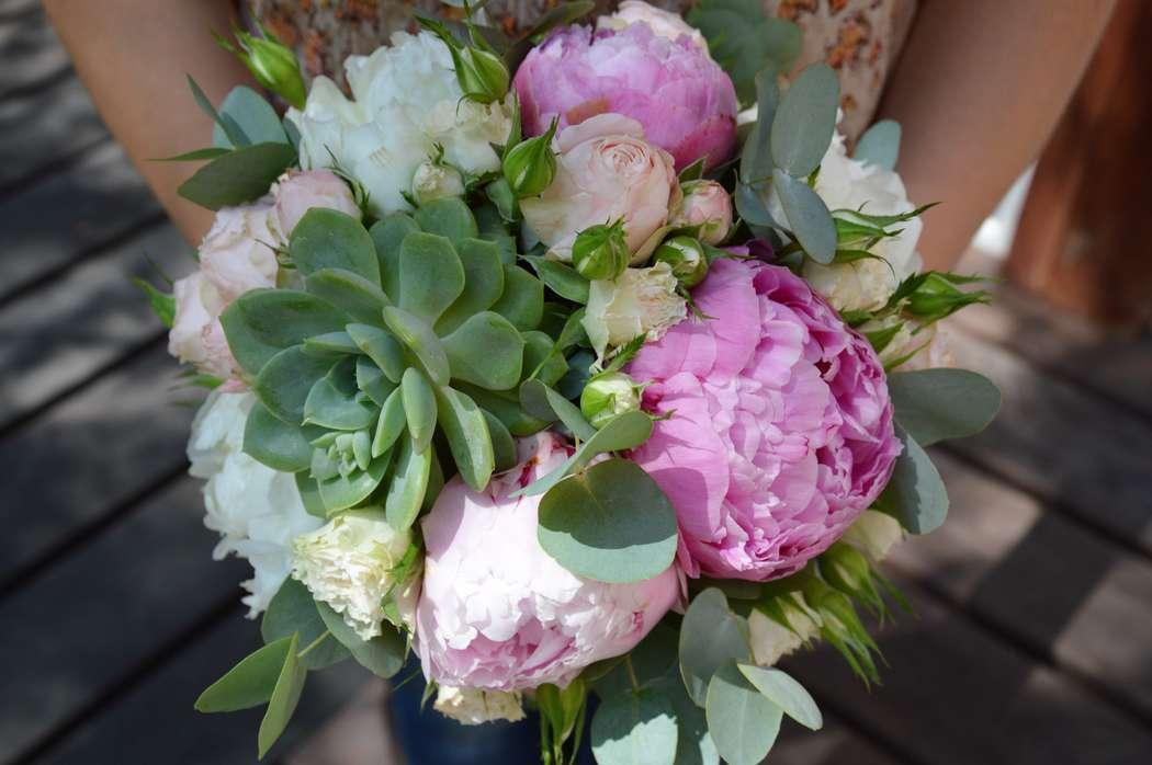 Свадебный букет из пионов – шик и красота!
