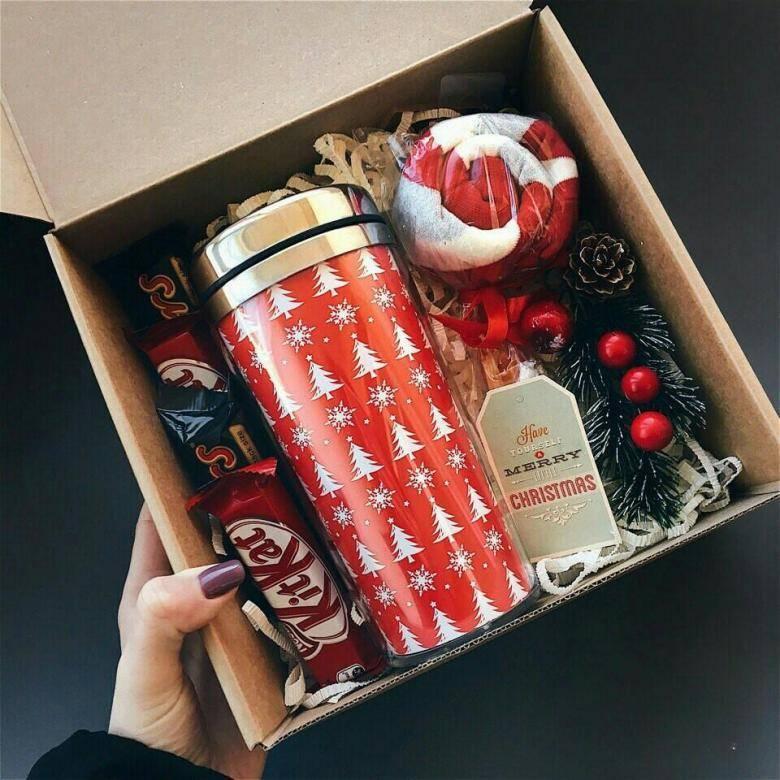 Что подарить девушке на Новый год — оригинальное, яркое, незабываемое, волшебное!