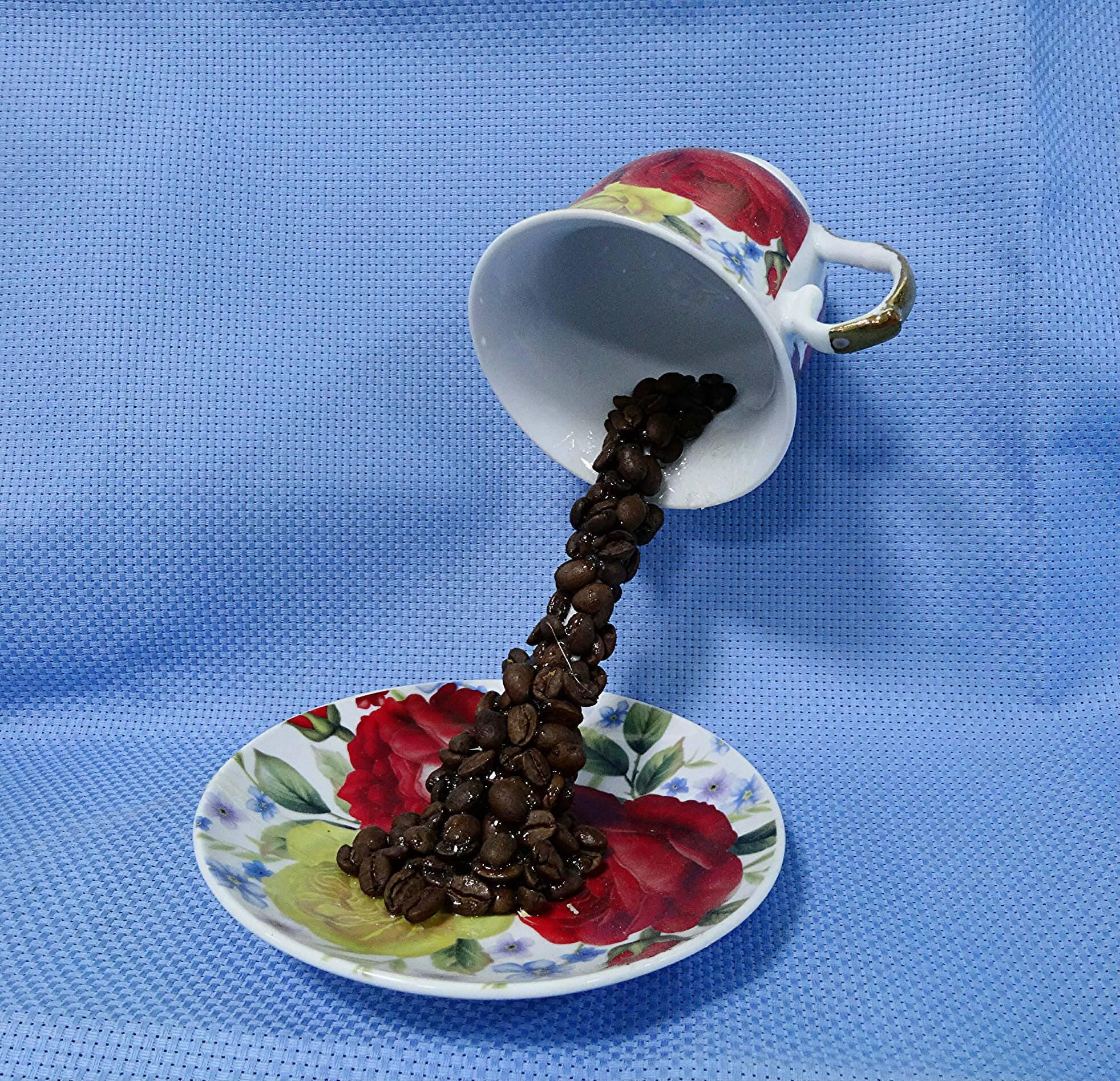 Парящая чашка — интересный сувенир в подарок
