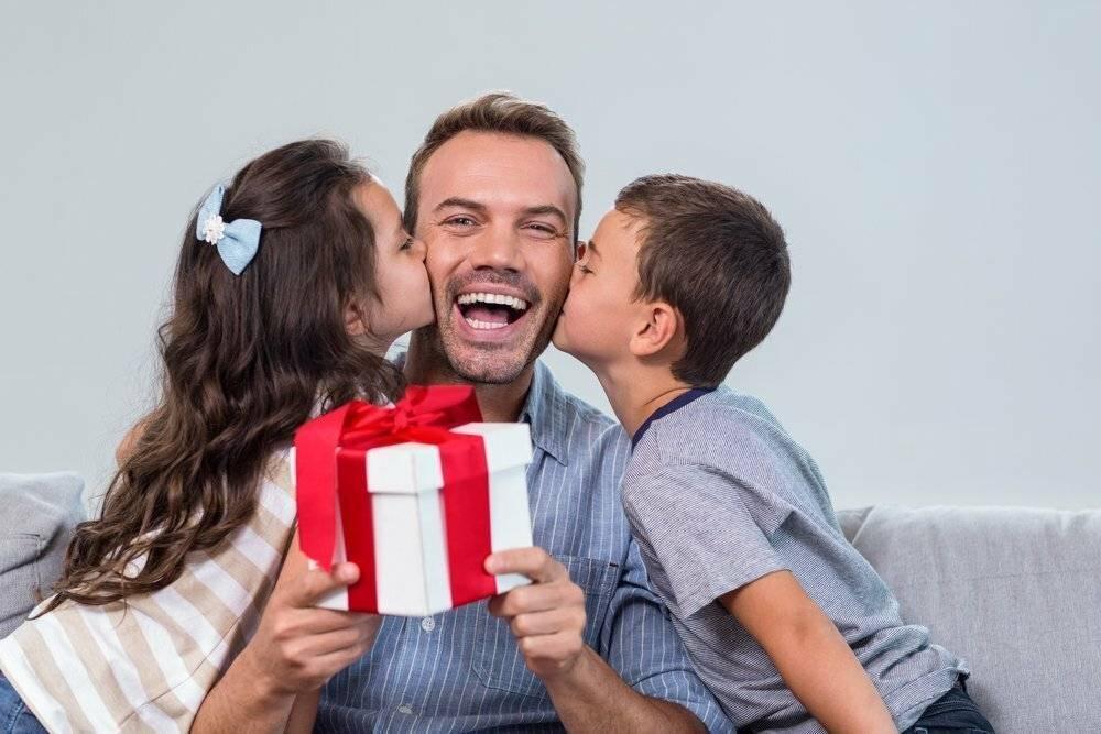 Новогодний подарок для папы – лучший презент от детей