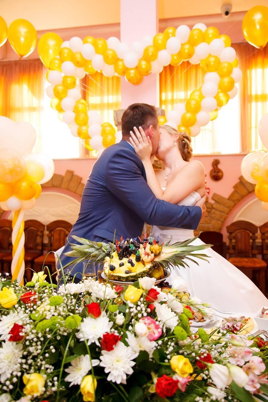 Зачем «горчить» на свадьбе?