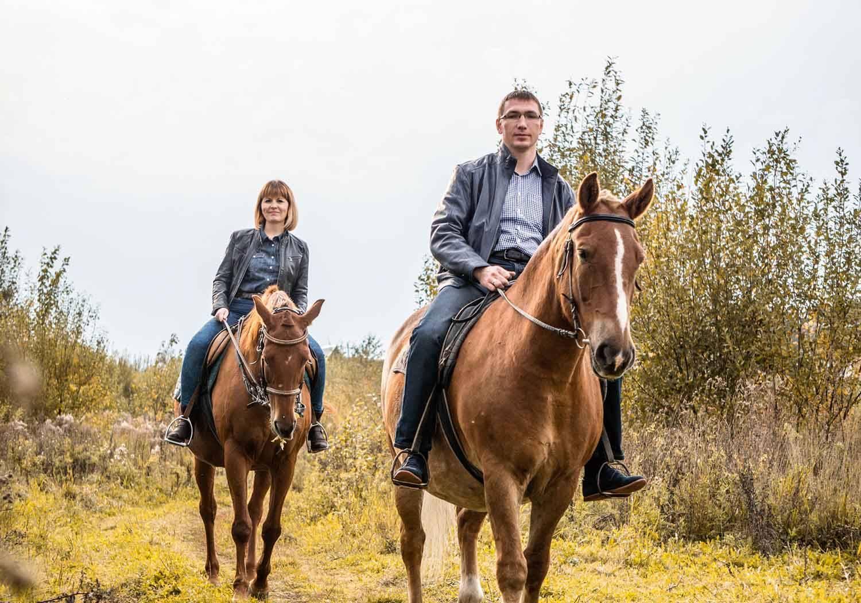 Необычные подарки: конная прогулка