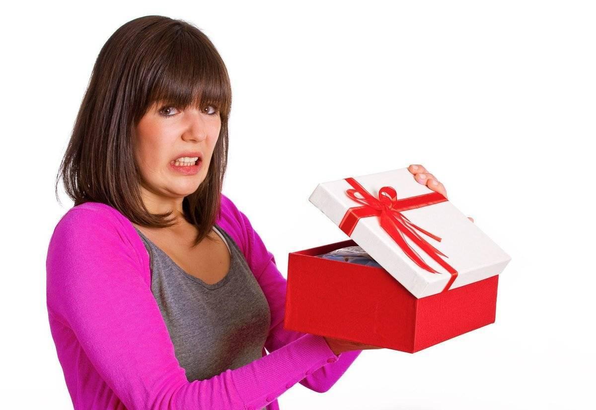 Что подарить жене на день рождения: выбираем подарок правильно